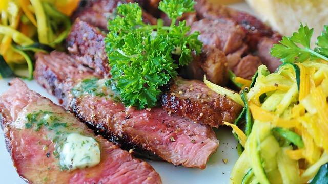 carne fatiada de churrasco